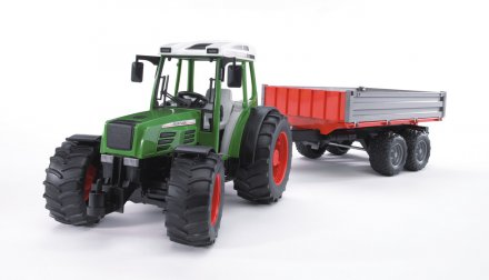 Fendt 209 S with tipping trailer