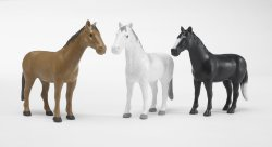 Horse assortment (6x brown, 6x white, 4x black)