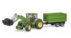 John Deere 7930 traktori etukuormaajalla sekä peräkärryllä