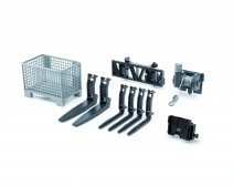 Accessories: Box-type pallet, winch and forks f.frontloader