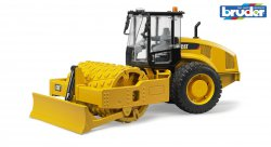 CAT Vibratory soil compactor with levelling blade